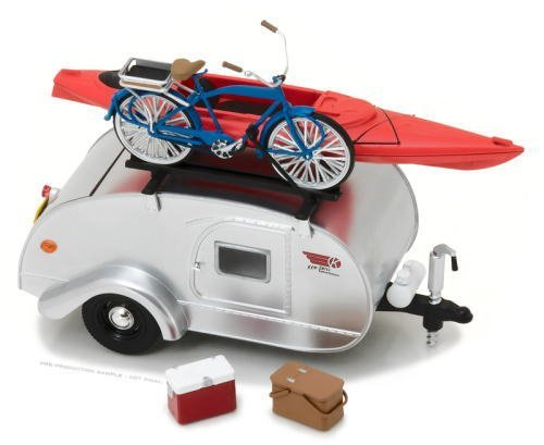 Price comparison product image GreenLight 1:24 Hitch & Tow 1964 Winnebago Travel Trailer 216 (18420-B) Die-Cast Vehicle