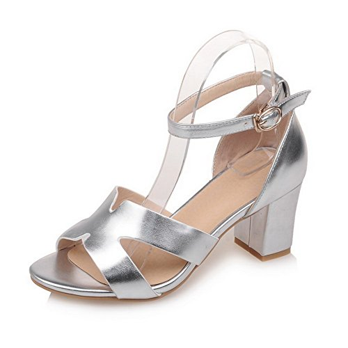 AmoonyFashion Womens Solid PU Kitten-Heels Open-Toe Buckle Sandals Silver MG0hn6Mrgr