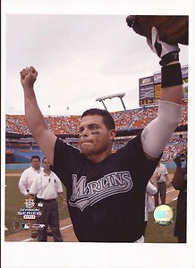(Ivan Rodriguez Unsigned 8x10 Photo Florida Marlins)