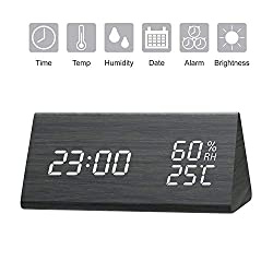 GEEKERS Digital Alarm Clock, Wooden LED Alarm Clock with Triple Alarms, 3 Levels Brightness Dimmer, Big Digit Display Date, Temperature and Humidity for Home Bedrooms