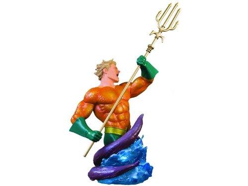 Heroes of the DC Universe: Aquaman Bust Diamond Comic Distributors MAR090254