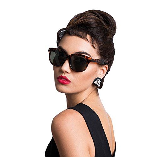 0c9dbae560db Amazon.com  Audrey Hepburn-the Breakfast at Tiffany s Costume Black  Earrings   Cat-eyed Tortoiseshell Sunglasses Accessories Set  Clothing