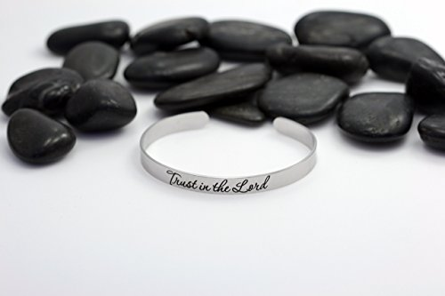 Trust In The Lord Motivational Statement Cuff Bracelet   Silver