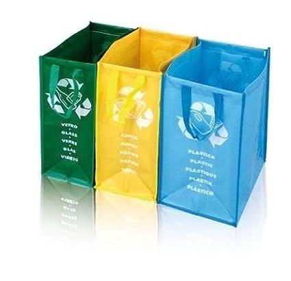 Separa uova o il riciclaggio rifiuti con tre colori sottodivisioni e di sacchi etichette per vetro, carta e plastica - una soluzione pulita