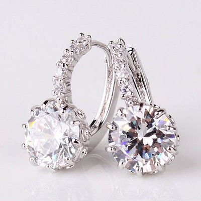 LuckyNine9 18k white gold Stunning white topaz earring