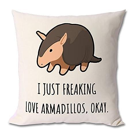 Amazon.com: Armadillo amante Armadillo funda de cojín Wild ...