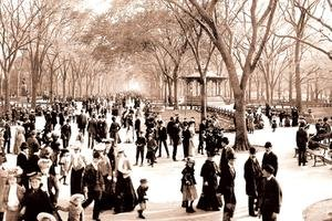 Central Park: Panoramic View of the Mall, c.1902 Paper poster printed on 12 x 18 - Stores Mall Park North