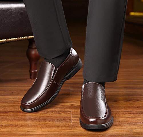 Koyi Männer Lederschuhe Neue Atmungsaktive Casual Soft Sohle Schuhe Business Casual Atmungsaktive Mittleren Alters Sets Fuß Schuhe Anti Rutsch Verschleißfestigkeit Braun c2e92b