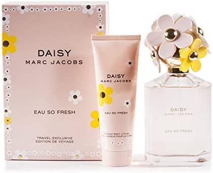 Marc Jacobs Daisy Eau So Fresh 2-Piece Fragrance Set (Eau de Toilette Spray, 4.2 Ounce and Body Lotion, 2.5 Ounce )