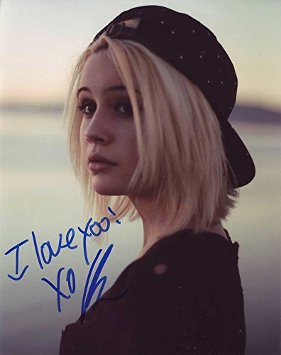 Beatrice Miller In-person Autographed Photo ()
