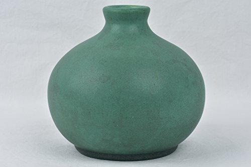 Teco Pottery 1905 Matte Teco Green Bulb Vase Shape (Teco Vase)