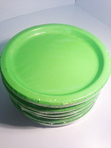 16 count Green Christmas Party Paper Plates 8 5/8 in - 21.9 cm .