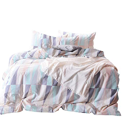 Wake In Cloud - Geometric Comforter Set, 100% Cotton Fabric with Soft Microfiber Fill Bedding, Abstract Triangle Modern Pattern Printed (3pcs, Queen Size) (Pink And Grey Comforter Set Queen)