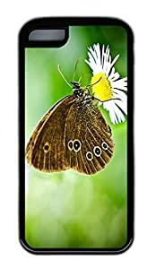 Butterfly On A Wild Daisy Cases For iPhone 5C - Summer Unique Wholesale 5c Cases wangjiang maoyi