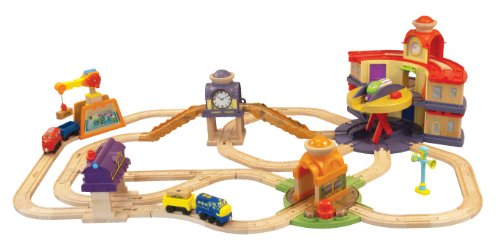 Amazon.com: Chuggington Wooden Railway All Around Chuggington Set ...