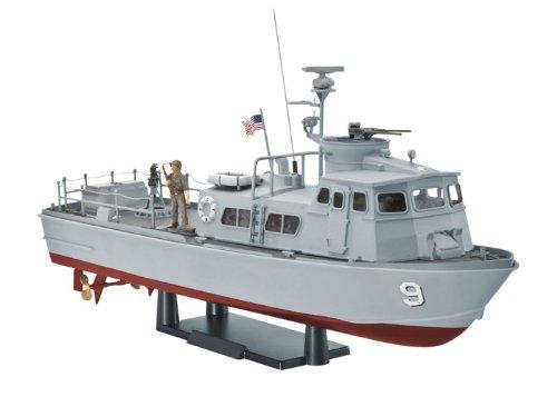 Revell of Germany U.S. Navy Swift Boat (PFC) Model Kit