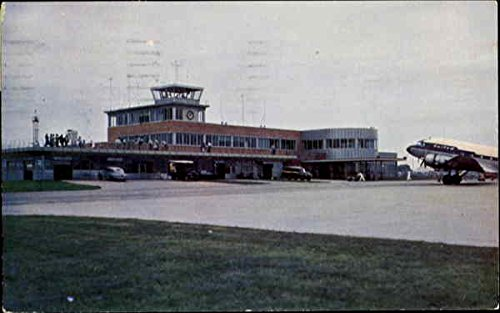 (New Municipal Airport Building Des Moines, Iowa Original Vintage Postcard)