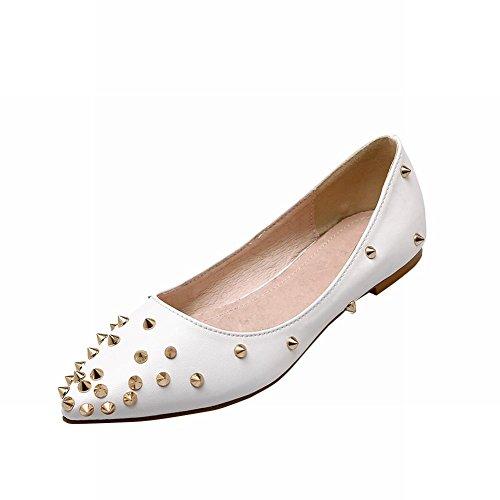 Carolbar Femmes Clouté Rivet Mode Sexy Élégance Bout Pointu Mocassin Chaussures Chaussures Blanc