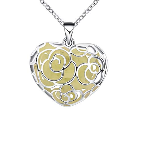 (Fashionable Locket Necklace Fluorescent Hollow Heart-Shaped Pendant Necklace Glow in The Dark Jewelry(Green))