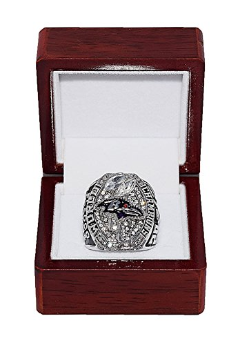 BALTIMORE RAVENS (Joe Flacco) 2012 SUPER BOWL WORLD CHAMPIONS (Play Like a Raven) Super Bowl XLVII MVP Rare & Collectible High-Quality Replica NFL Football Champ Ring with Cherrywood Display Box