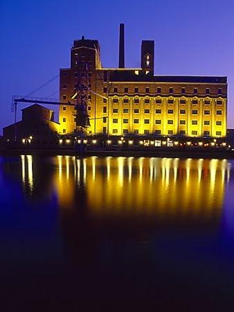 Fotografie Duisburg Speicher Im Innenhafen Am Abend Farbig