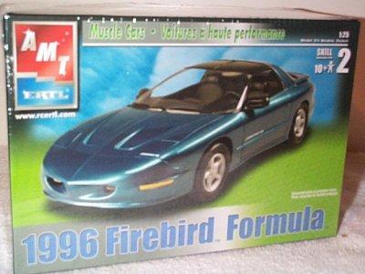AMT 1996 Pontiac Firebird Formula Plastic Model Car Kit (Pontiac Firebird Model compare prices)