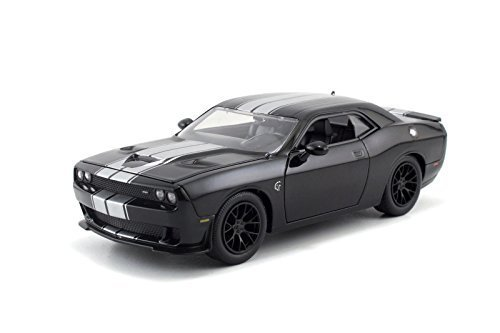 2015-dodge-challenger-srt-hellcat-black-with-silver-stripes-1-24-by-jada-97600