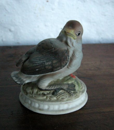 Lefton Porcelain Snow Bird Figurine Kw 1637