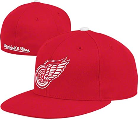 big sale 7f39a 0ce80 Mitchell   Ness Hat Detroit Red Wings NHL Vintage Red White Fitted Cap (7