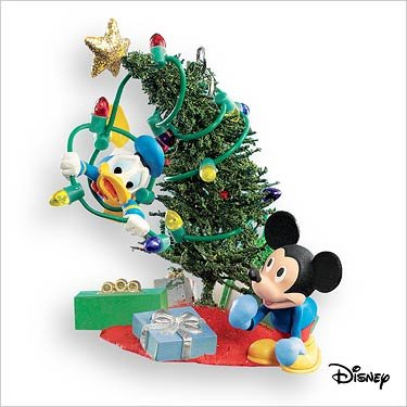 Hallmark Keepsake Ornament – Trimming the Tree Mickey and Donald 2007 (2007 Christmas Tree Ornament)