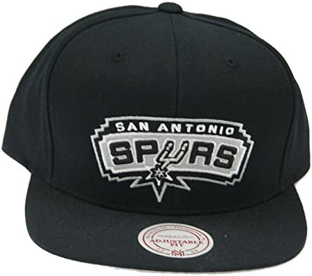 finest selection 728ad a907b Amazon.com   Mitchell   Ness San Antonio Spurs NBA Current Wool Solid 2 Snapback  Cap (Black)   Sports   Outdoors