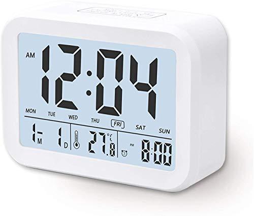 Despertador Digital Electronico, Arespark Reloj Despertador con Alarma Luz de Noche, Pantalla LCD con Fecha Temperatura, Sensor de Luz, Funcion Snooze. Blanco