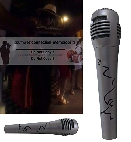 La Toya Jackson Signed Hand Autographed Microphone with Exact Proof Photo of LaToya Signing the Mic and COA, Heart Don't Lie, Starting Over