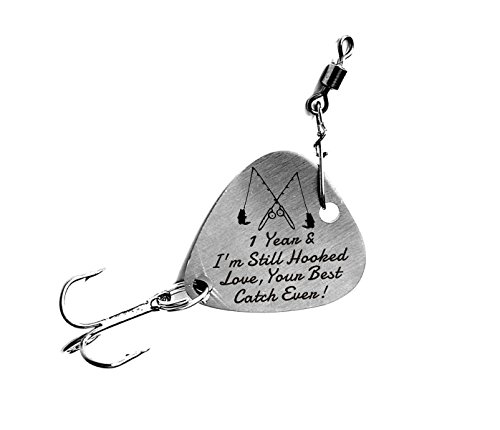 1 st Wedding Anniversary Gifts 1 Year & I'm Still Hooked Love Your Best Catch Ever Fishing Lure Mens Gift Anniversary Christmas Valentines's Day Fisherman Gifts for Husband/Boyfriend