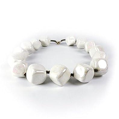 a8e6745b835 Kazuri - Collier fantaisie Kazuri céramique blanc irisé cubes - - 45 ...
