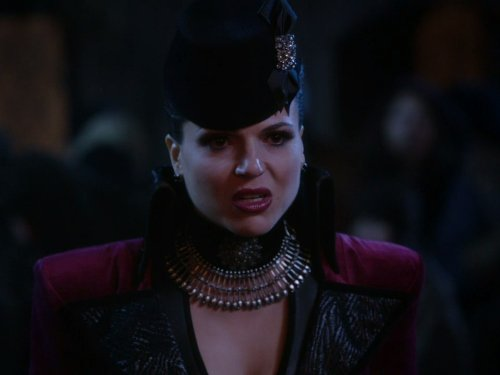 The Evil Queen]()
