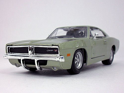 1969 Dodge Charger R/T 1/25 Scale Diecast Metal Car Model - Champagne