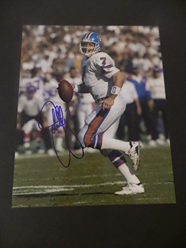 (John Elway Signed Denver Broncos Autographed 8x10 Photograph)