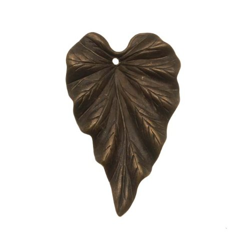 Vintaj Natural Brass Woodland Leaf Pendant 38mm (1)