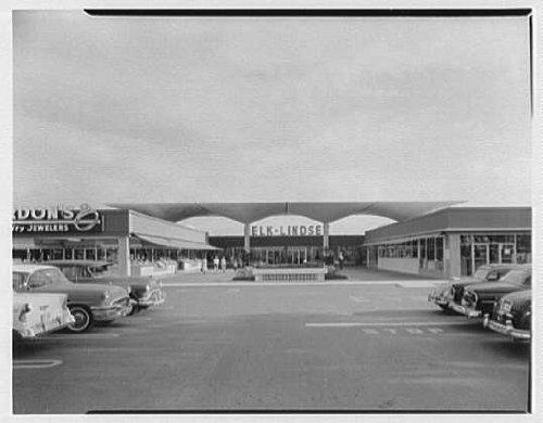 Photo: Cortez Plaza Shopping Center,Bradenton,Florida. - Mall Bradenton