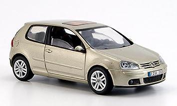 Modellauto Fertigmodell silber Schuco 1:43 2011 VW up!