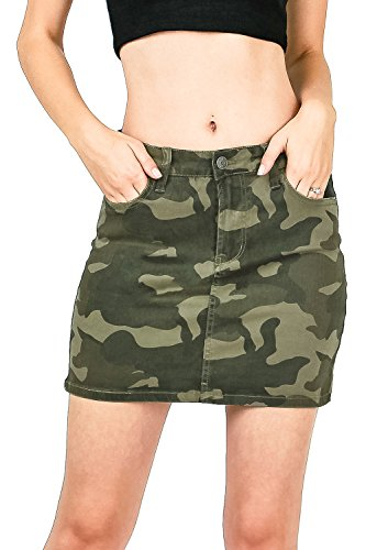 Celebrity Pink Women's Juniors Mid Waist Camo Print Mini Skirt (1, Camo) by Celebrity Pink