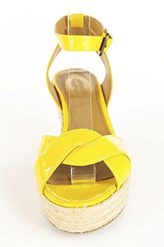 Cuña Daisy Daisy Para Mujer Elie Tahari En Talla De Cuero Amarillo Margarita 6.5 M Us / 37.5 Eur