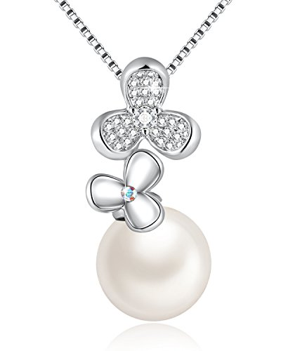 SUE'S SECRET Simple Lucky Clover White Cultured Pearl Necklaces for Women with Swarovski Crystals Drop Pendant, Elegant Birthday Gifts for Mum, Jewellery Gifts for Women,18″