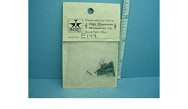"""Heidi Ott Dollhouse Miniature 1//4/"""" Scale Metal Doll Stands 6 pcs x 0.75/'/' #1"""