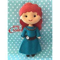 Muñeca artesanal de fieltro inspirada en princesa Merida