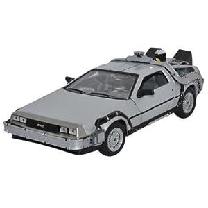 DeLorean Retour vers le Futur 2 à l'échelle 1/24