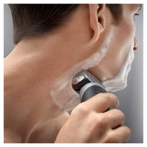 Braun Series 7 790cc-4 Electric Foil Shaver with Clean&Charge Station, 1 Count by Braun (Image #3)