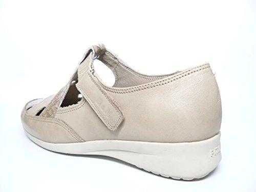 Sandalia cerrada de la marca PITILLOS en piel color Beige-Crema 2313 - 41C Beige