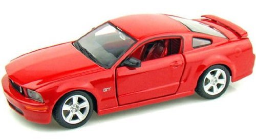 (Maisto Die Cast 1:24 Scale Red 2006 Ford Mustang GT)